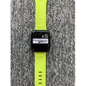 Sports Green iWatch Silicone Strap With Metal Lock Compatible with Series Se/6/5/4/3/2/1